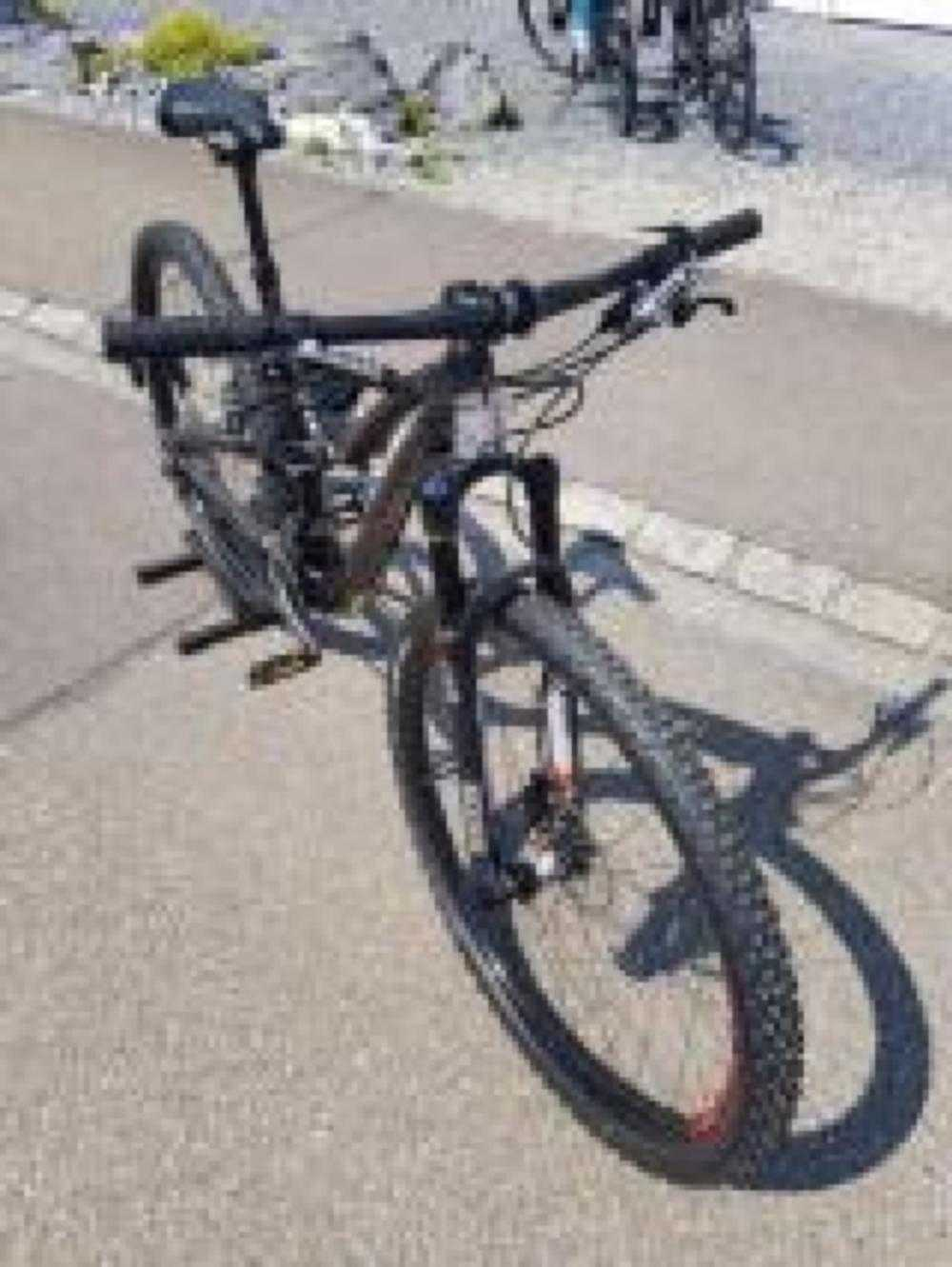 Mountainbike kaufen: SPECIALIZED Rumor Elite Testvelo